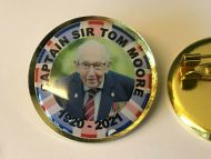 Our Hero Captain Sir Tom Moore Remembrance 25mm Lapel Pin Badge